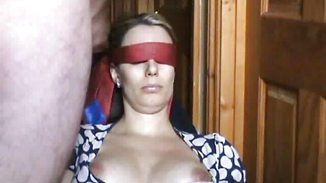 Dorosły bez rejestracji  Wielu mężczyzn z kutasem ciągnie dwa erotyczne w hd kutasy na raz
