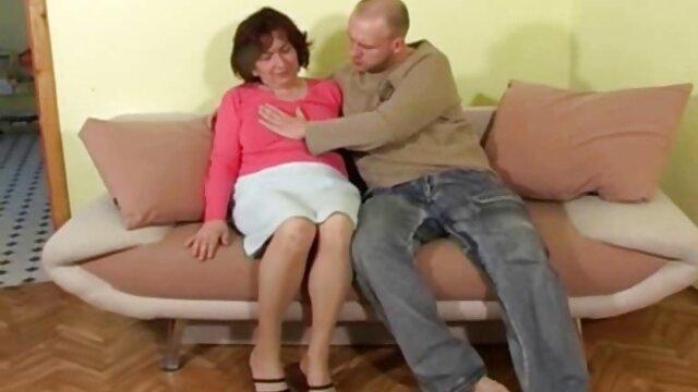 Najlepsze porno bez rejestracji  Chodzi do spa na relaks, a jej mąż, dla niej jest to usługa, którą świadczy w darmowe erotyki hd największym