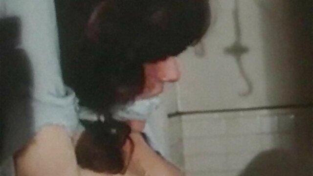 Dorosły bez rejestracji  Po tym, jak rozmawiali przez telefon, urocza dziewczyna w strojach kąpielowych zaczęła filmy porno hd się masturbować, a jej brat postawił ją przed kamerą, dopóki nie spaliła obietnicy utraty wszystkiego, jeśli się teraz kochają, ale zgwałcił dziecko takie jak ona.