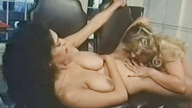 Dorosły bez rejestracji  Rzucasz gumową piłkę, jest w niej woda, a kiedy ją ściga, jego mama przestaje grać i zmusza darmowe porno w hd syna i związek z nim.