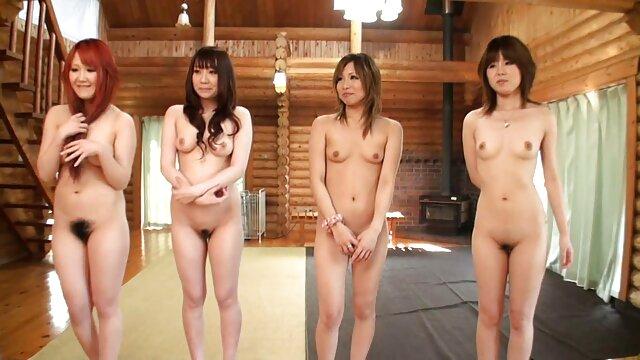 Dorosły bez rejestracji  Mała Japonka filmiki porno hd zorganizowała brutalny seks dla dwóch facetów