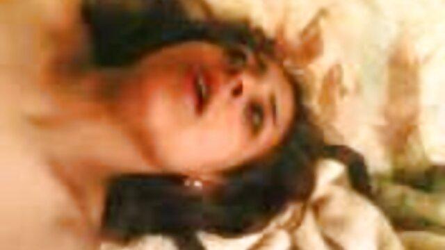 Dorosły bez rejestracji  Młoda erotyka w hd brunetka z gorącą dziewczyną Beatdown