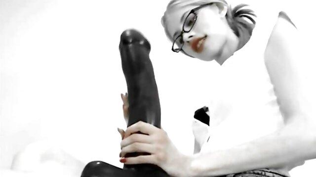 Najlepsze porno bez rejestracji  Dziewczyna porno filmy w hd zafascynowana maniakiem