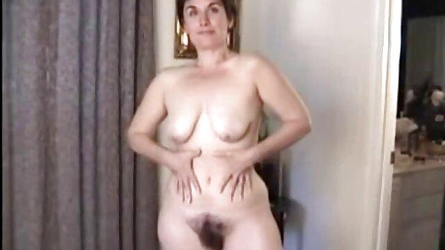 Dorosły bez rejestracji  Murzyn rozbiera dziewczynę i jej darmowe polskie porno hd siostrę, leżących na łóżku