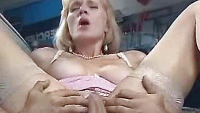 Dorosły bez rejestracji  Granie w jego domu jest filmy hd erotyczne trudne