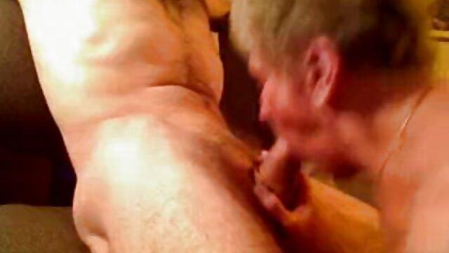Najlepsze porno bez rejestracji  Dwie młode pary są na przyjęciu i od razu się zmieniają, aby nie marnować czasu na próżno, a erotyczne filmy hd jest ich tak wiele, że jest szansa