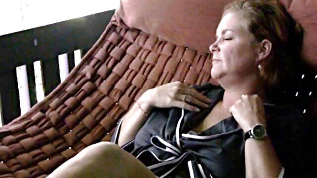 Dorosły bez rejestracji  Mulatka Brazylia postanowiła odwiedzić salon masażu przed zamknięciem drzwi filmów porno i trochę odpocząć, ale fajnie-pies, gdzie idzie i postanowiła na nią spojrzeć, potem olej, jej, jej, suka, zapomniała, gdzie poszła, szczególnie podobało jej się, jak mężczyzna bardzo mocno dotyka jej w twarz i postanowiła zrobić filmy porno dobrej jakosci masaż.