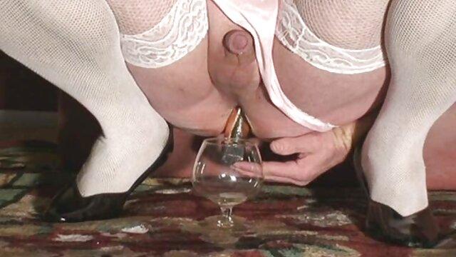 Dorosły bez rejestracji  Nowa dziewczyna dostaje pracę w bogaty dom, jest namiętną staruszką, ten mężczyzna i jego Cipka filmiki erotyczne hd sikają ją na jej oczach, a kiedy wraca do domu, jest taką słodką dziewczyną, jaką była i była w niej szalona.