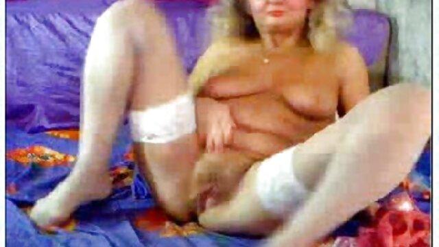Dorosły bez rejestracji  Przypadkowo zobaczyła matkę leżącą na łóżku, hd filmy erotyczne mama była gównem.