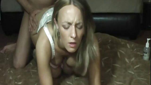Dorosły bez rejestracji  Blond Barbie mała cipka darmowe filmy erotyczne hd na trawie