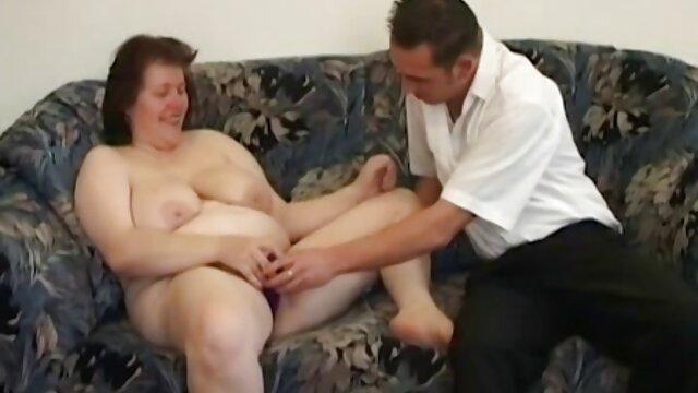 Dorosły bez rejestracji  Kelnerka, jakoś, nie jest bardzo ładna dziewczyna, ale szuka pieniędzy dużych i łatwych do przeprowadzenia wywiadu w filmie, filmiki erotyczne hd wybierają aktorkę filmową, aby utrzymać porno i zaproponowała stosunki seksualne ze specjalną usługą, jest też świetna, i zrobiła dla niej dobrą robotę, w dobrej pracy.