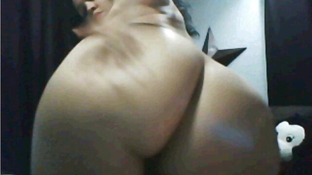 Dorosły bez rejestracji  Piękna dziewczyna, spuściła, darmowe polskie porno hd zmoczyła aparat w domu